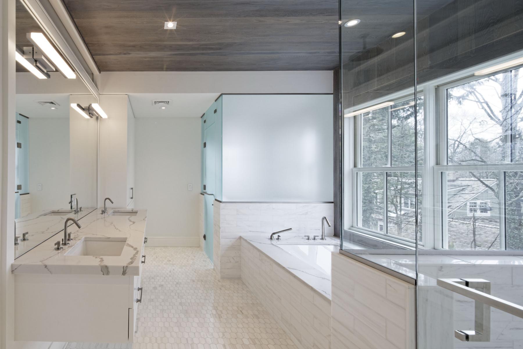 12 DeRosa Builders Master Bath